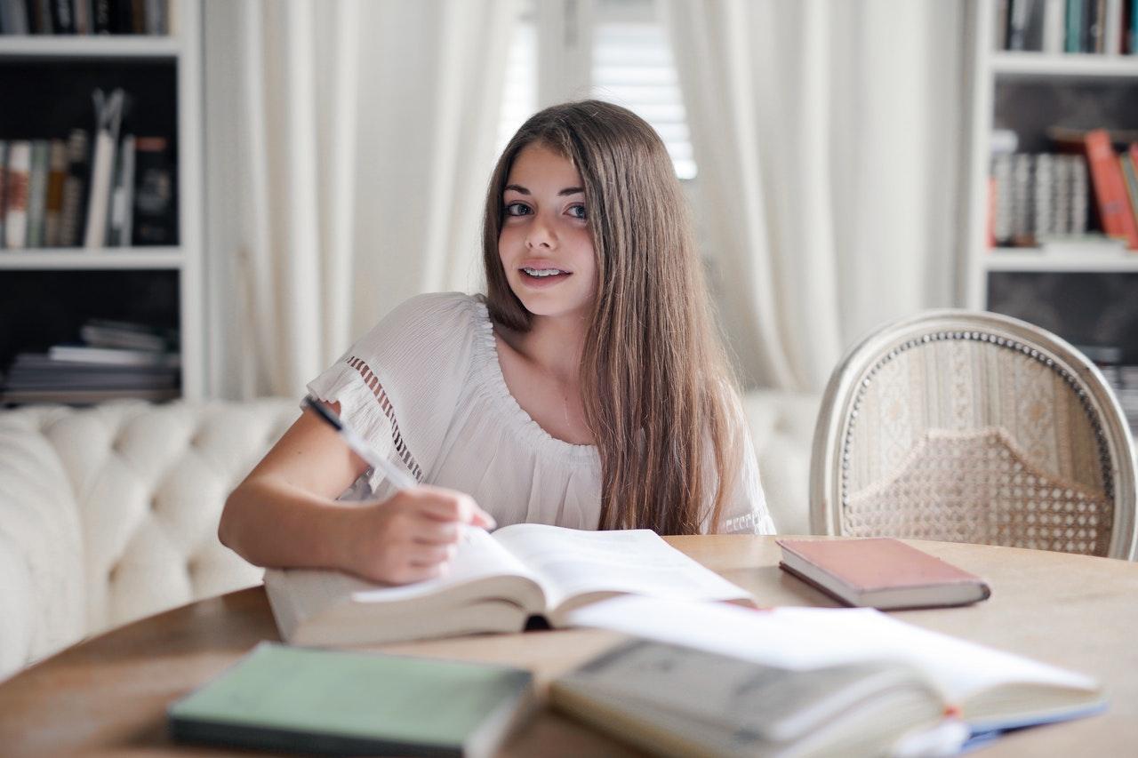 หลัก 5 ข้อง่ายๆ ที่จะทำให้การเขียนสารนิพนธ์ของคุณพัฒนาขึ้น